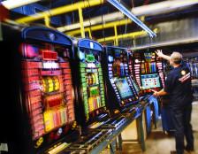 Merkur Spielautomaten in der Fertigung